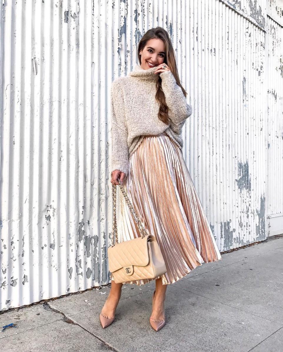 Velvet midi skirt outfit pleated skirt beige, street fashion