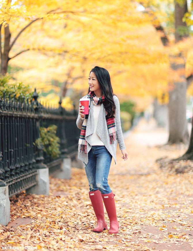 Outfits with red hunter boots
