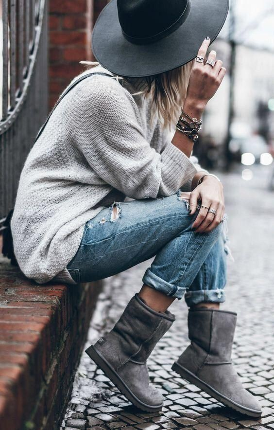 Outfit ideas grey uggs outfit slim fit pants, street fashion
