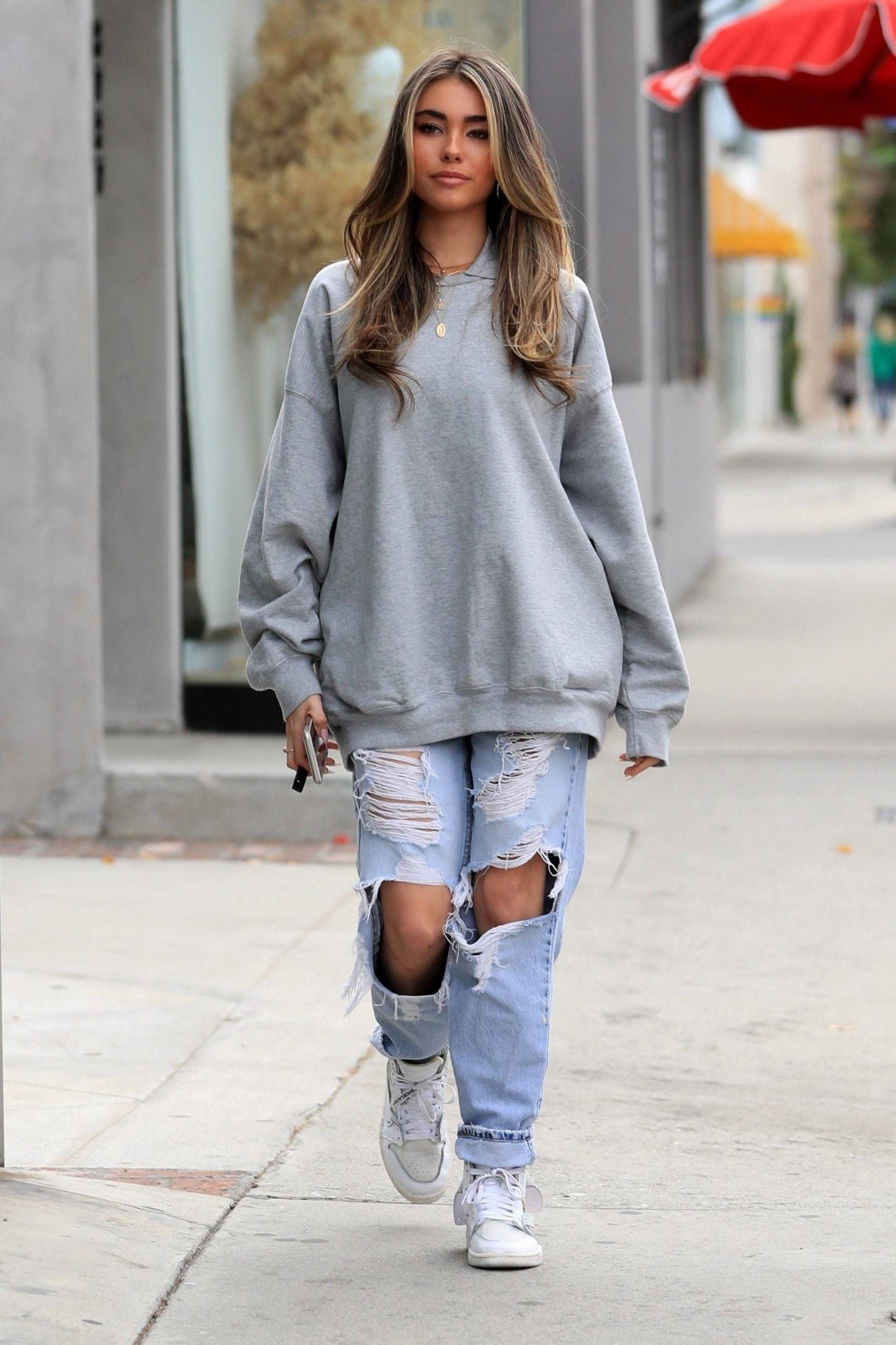 Clothing ideas madison beer outfits, street fashion, fashion model, ripped jeans, madison beer,  ...