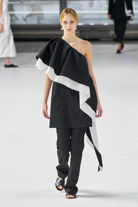 Colour outfit ideas 2020 fashion model new york fashion week