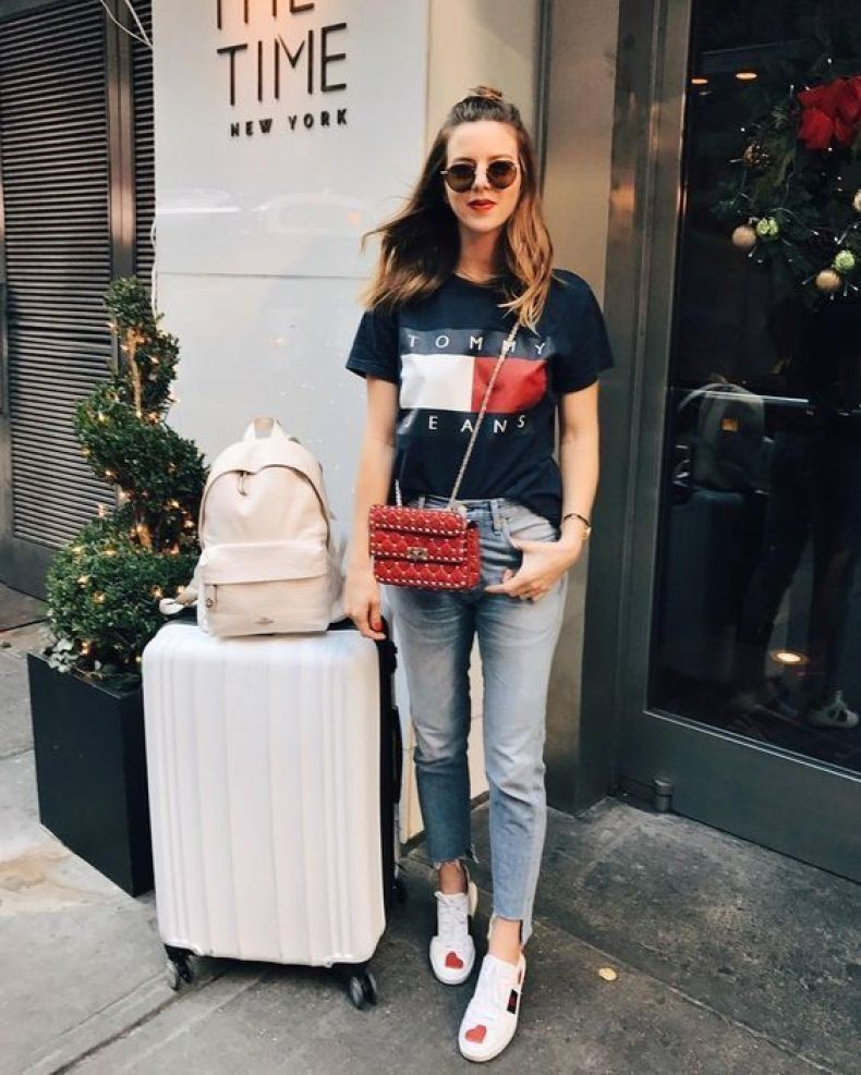 Best outfit for airport travel