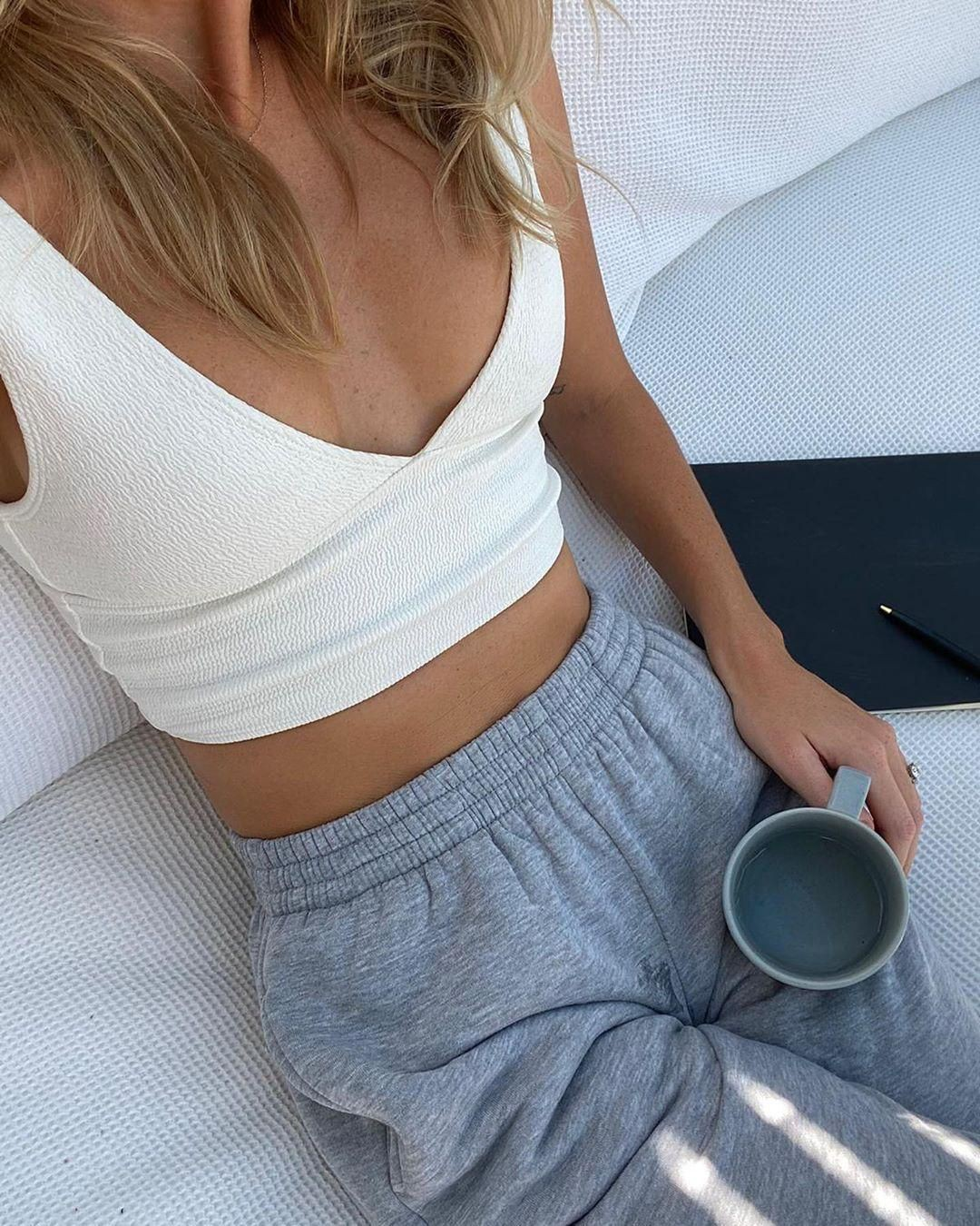 Clothing lookbook ideas with crop top, skirt