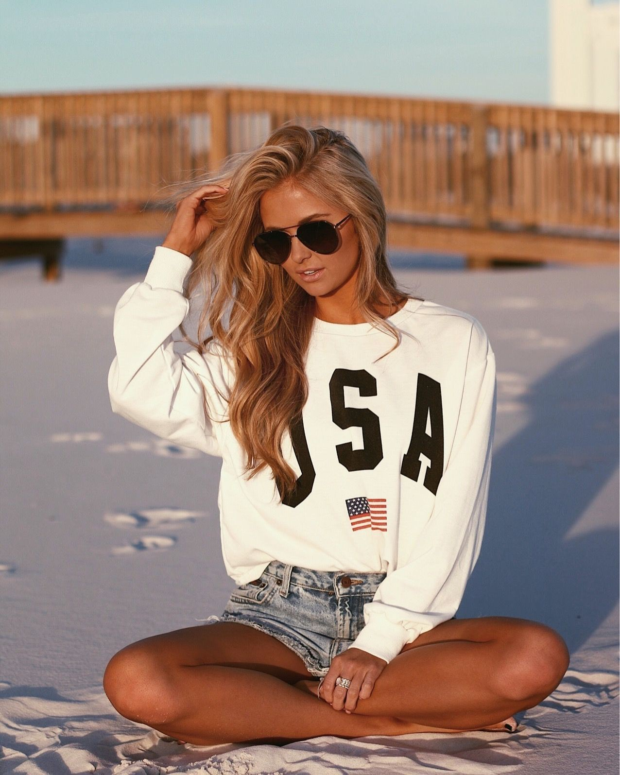 Instagram beach shorts outfit, casual wear, t shirt