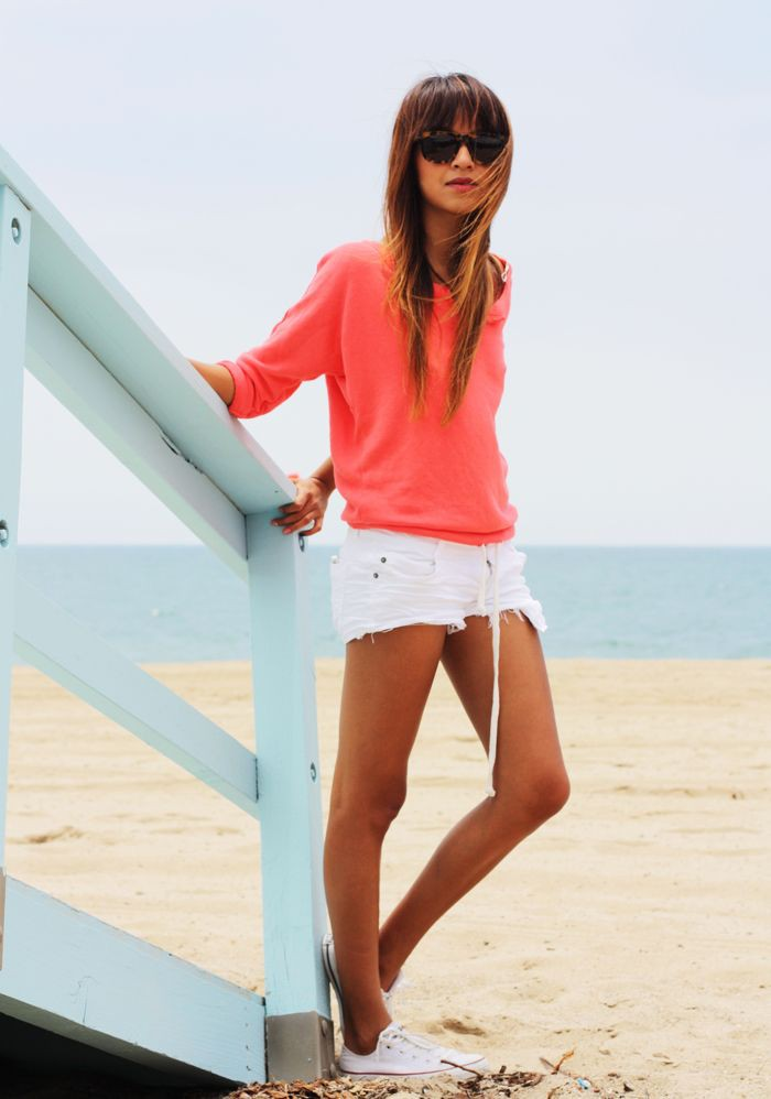 Outfits playa mujer con tenis
