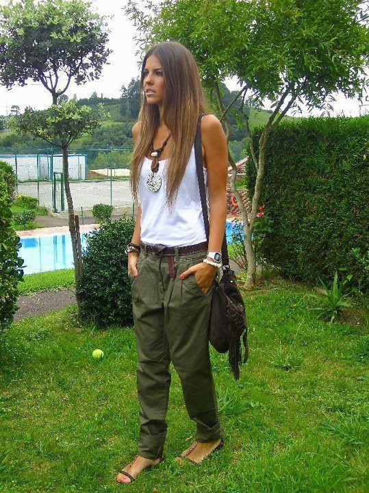 Green baggy pants look wide leg jeans, street fashion