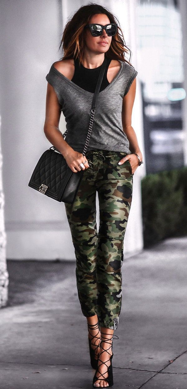 Camo pants womens outfit 2018, military camouflage, street fashion, fashion model, capri pants,  ...