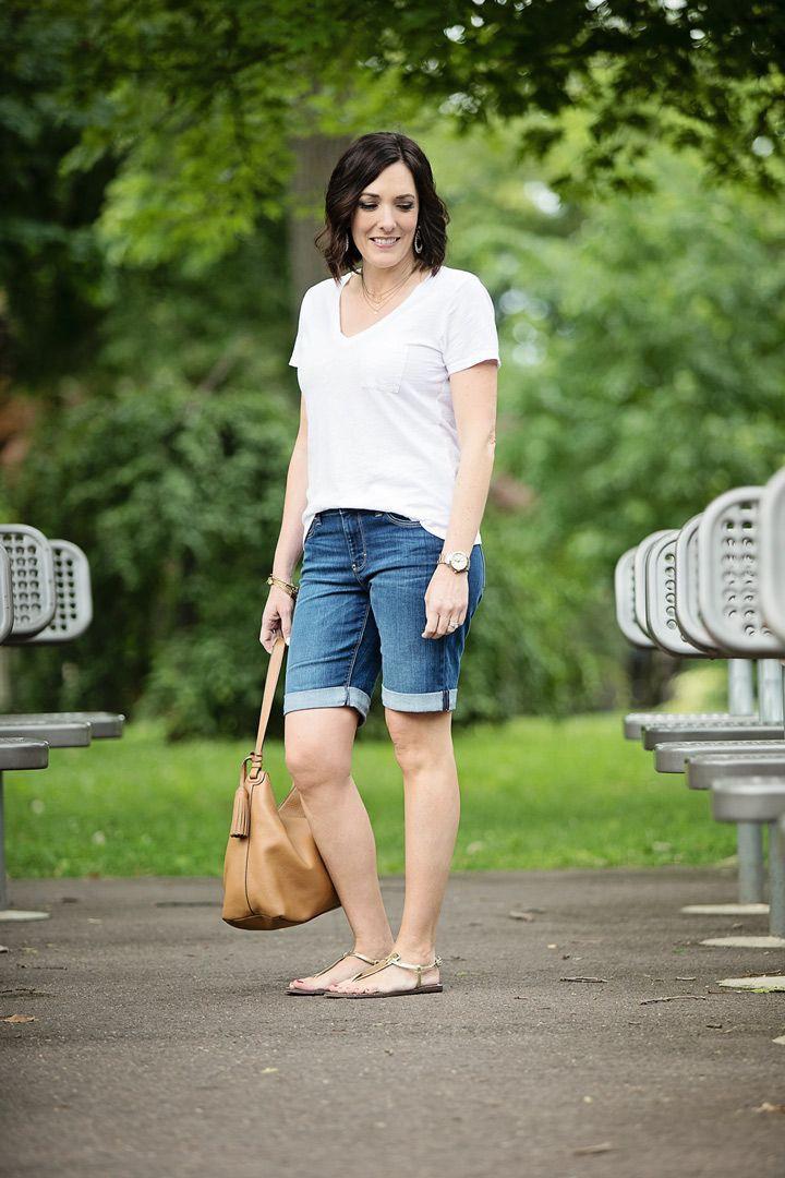 Outfit Stylevore bermuda shorts outfit, bermuda shorts, street fashion, jean shorts, t shirt