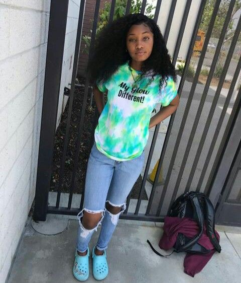 Turquoise and green colour outfit with leggings, shorts, denim