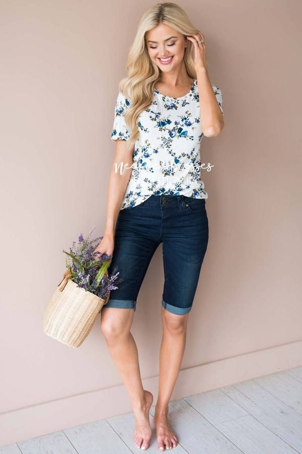 White and blue outfit ideas with blouse, shorts, denim