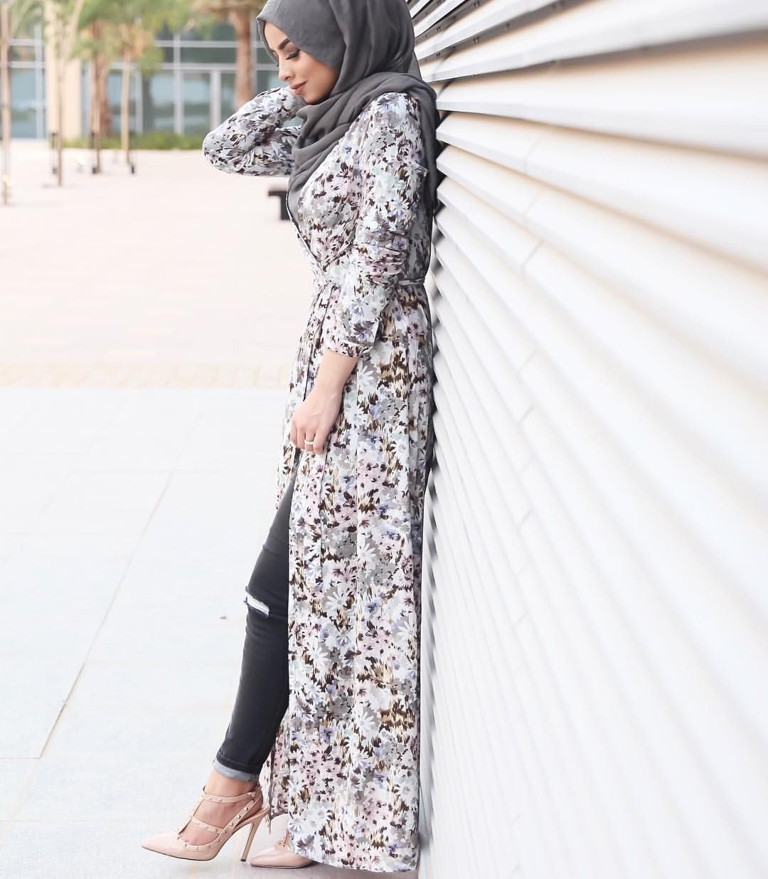 Lace look with hijab, islamic fashion, street fashion, stiletto heel, fashion blog