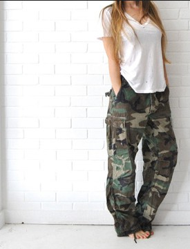 Wear baggy camo pants wide leg jeans, military camouflage