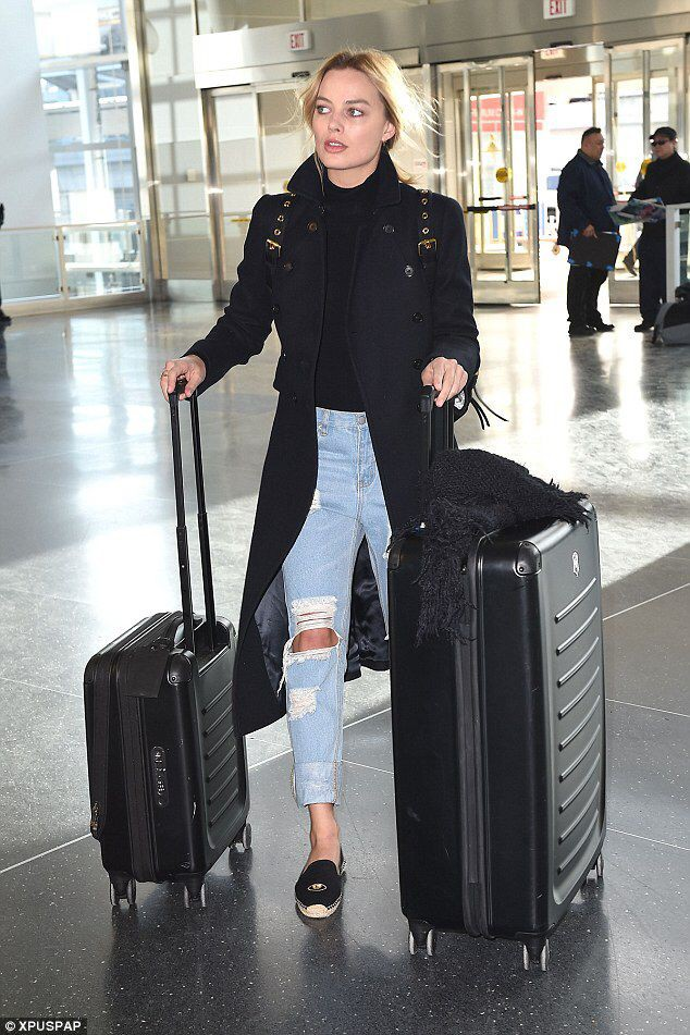 Margot robbie casual style luggage and bags, street fashion