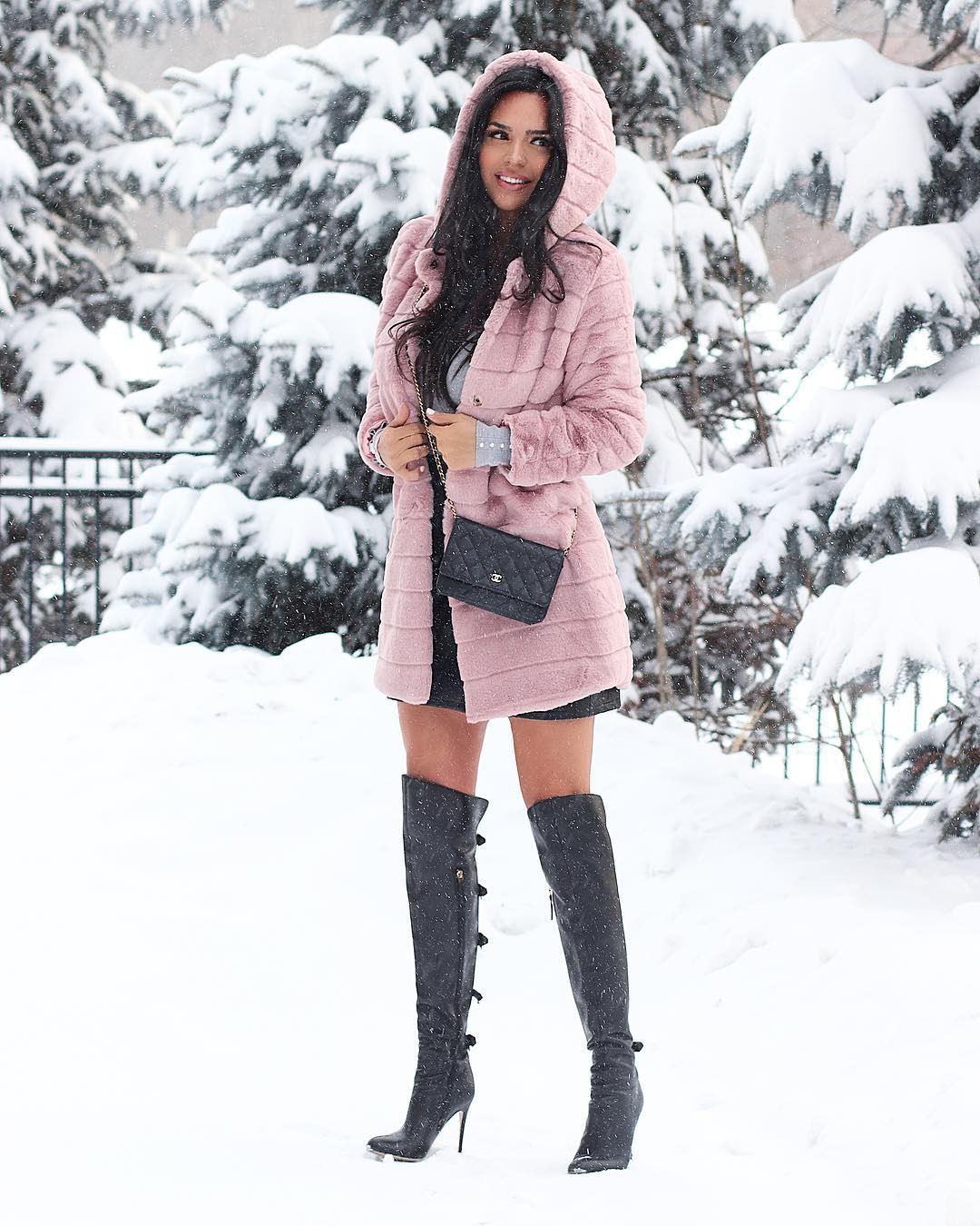 Shadi Y Cair knee-high boot, fur matching ideas for girls, hot legs