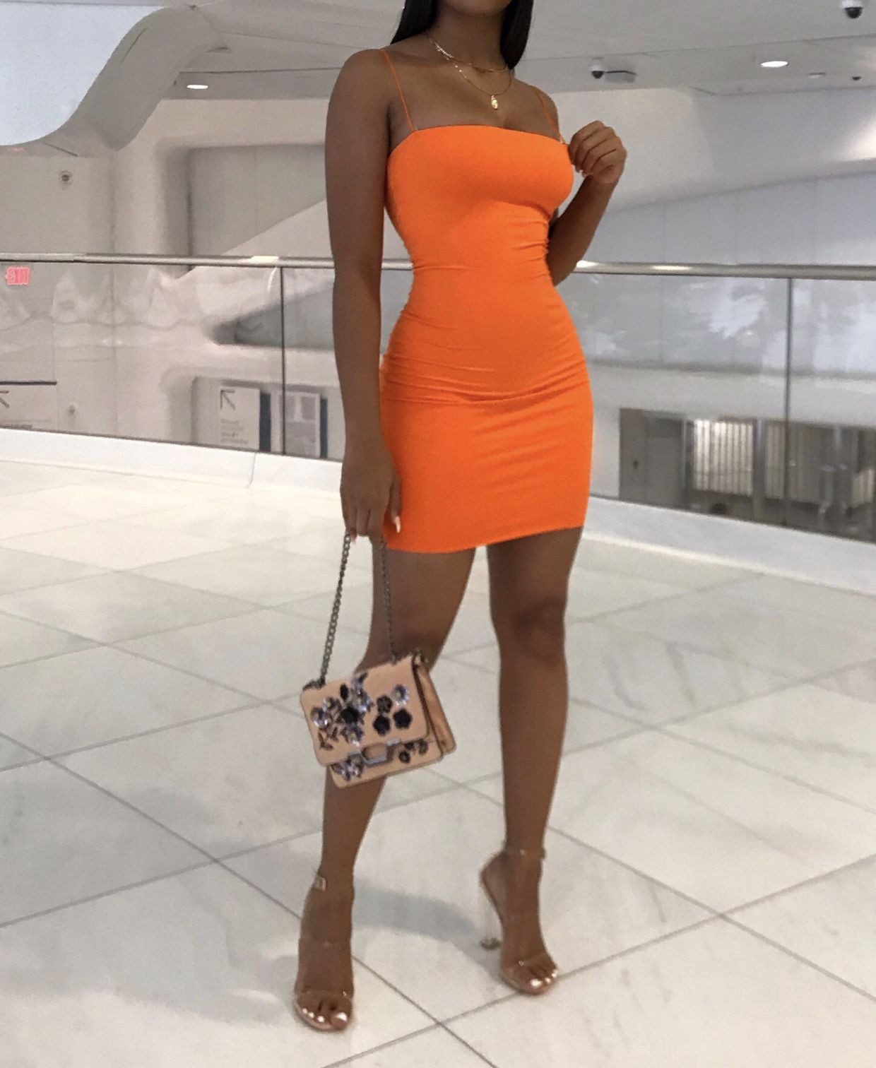 Lookbook dress vestidos naranja ajustados, strapless dress, cocktail dress, fashion model, party ...