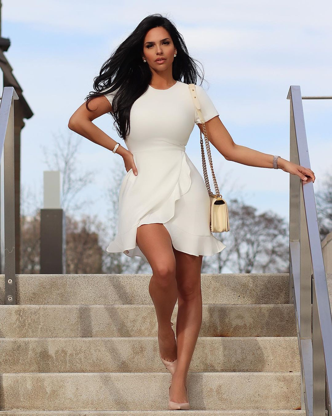 white style outfit with dress, instagram photoshoot, photography for girl