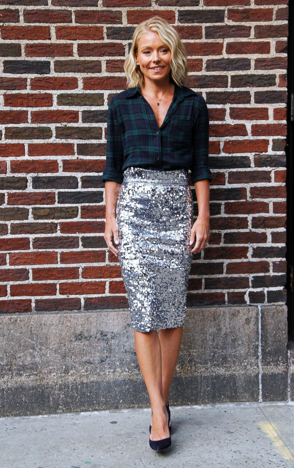 Colour outfit kelly ripa outfit little black dress, black and white