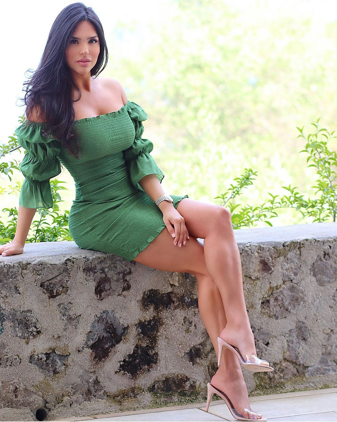 green colour outfit, you must try with dress, best photoshoot ideas, hot girls thighs