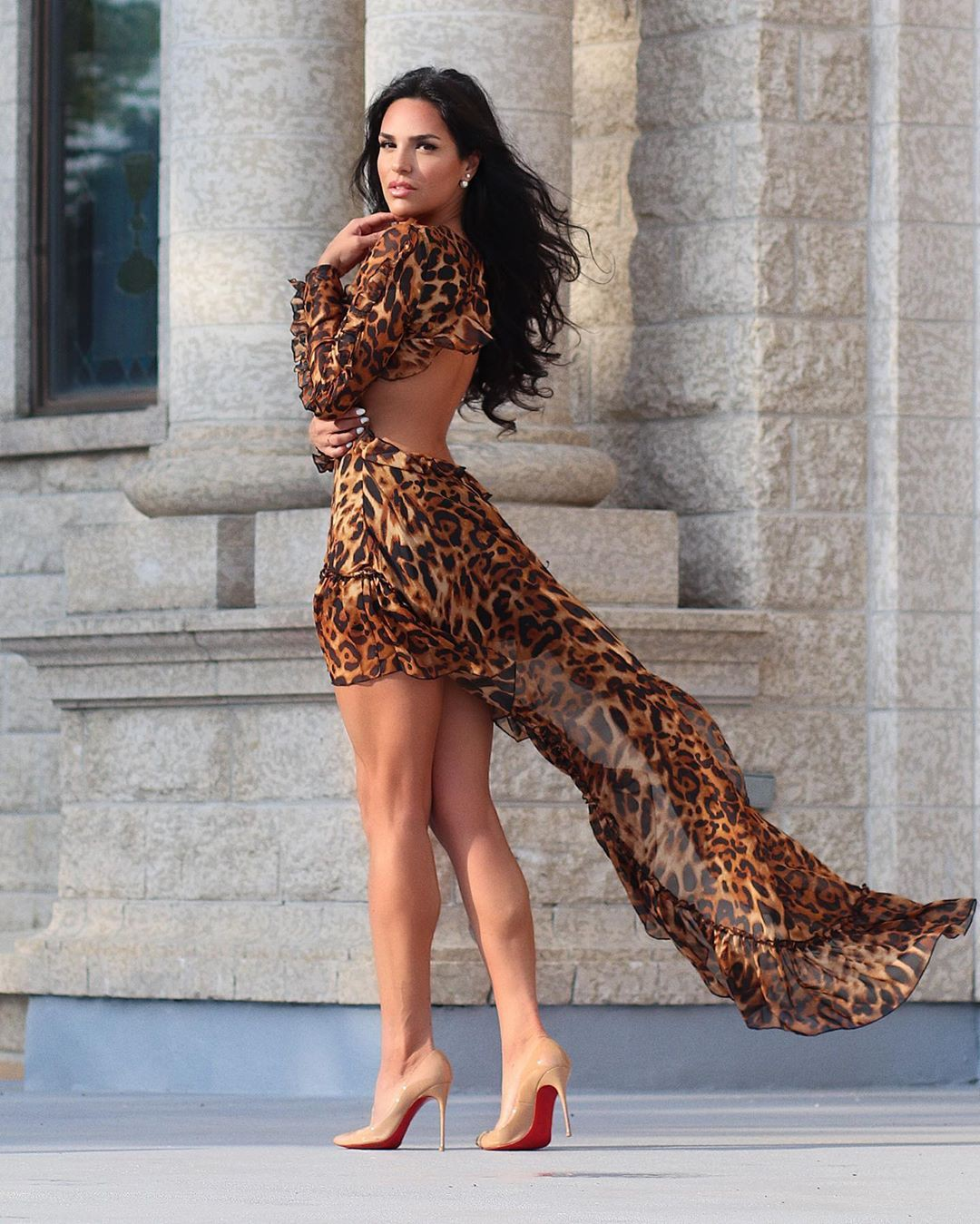 brown clothing ideas with dress, best photoshoot ideas, female thighs