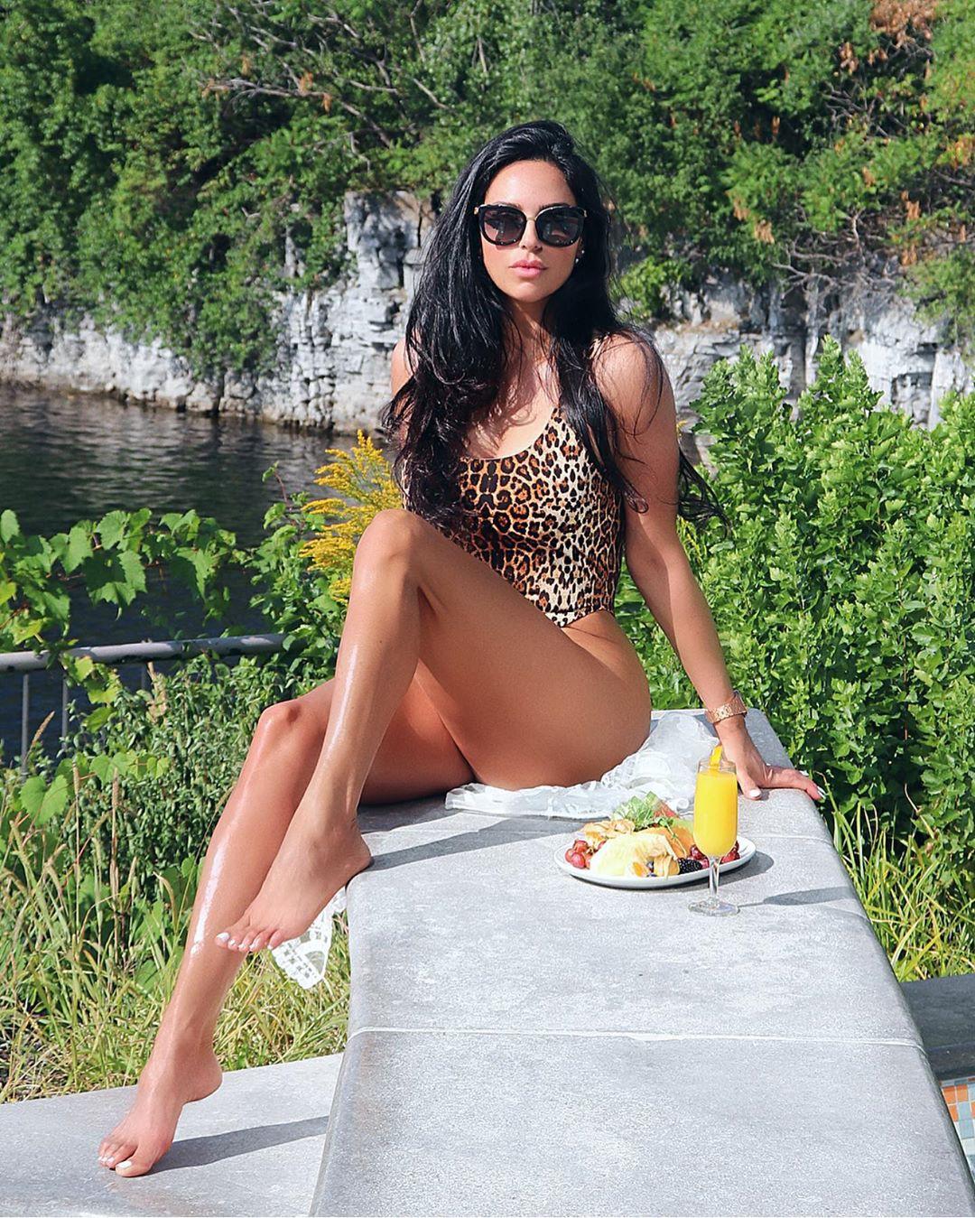 Shadi Y Cair bikini bodies swimwear clothing ideas, hot legs picture