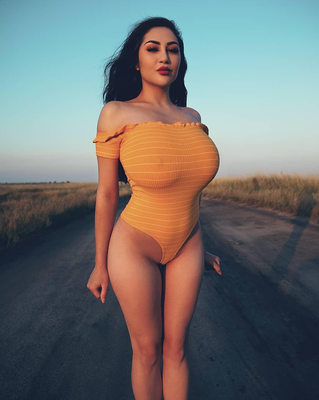 Louisa Khovanski sexy bikini girls swimwear outfit ideas, hot girls photoshoot