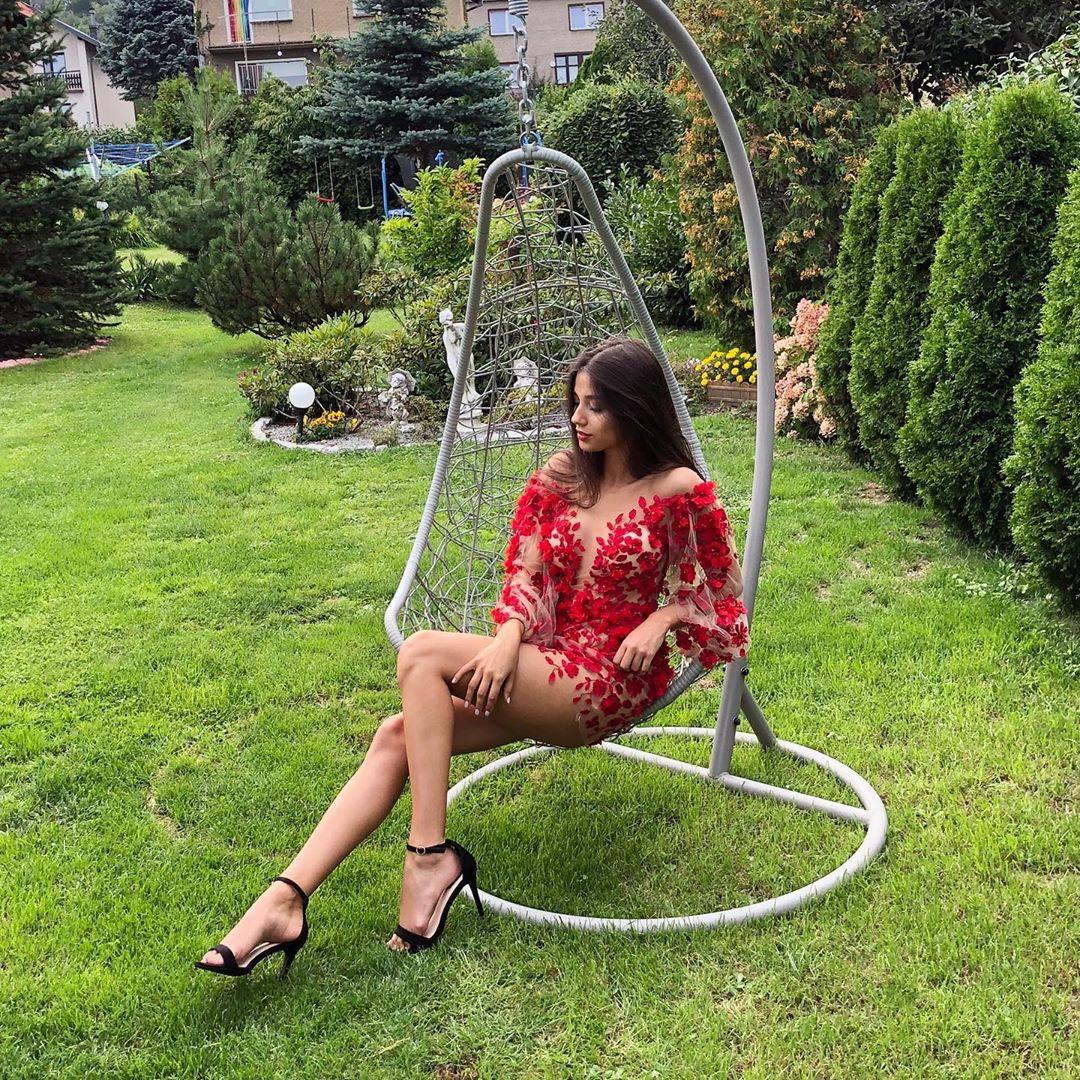 Maja Strojek, grass family, leisure, sitting