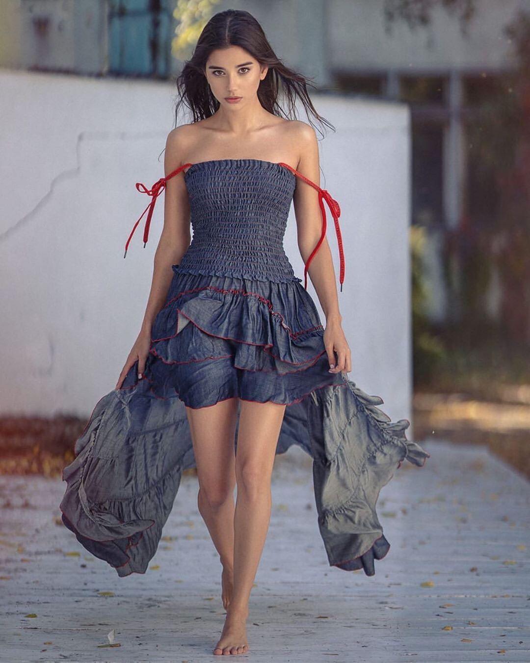 Maja Strojek dress matching dress, sexy leg picture, Sexy Models