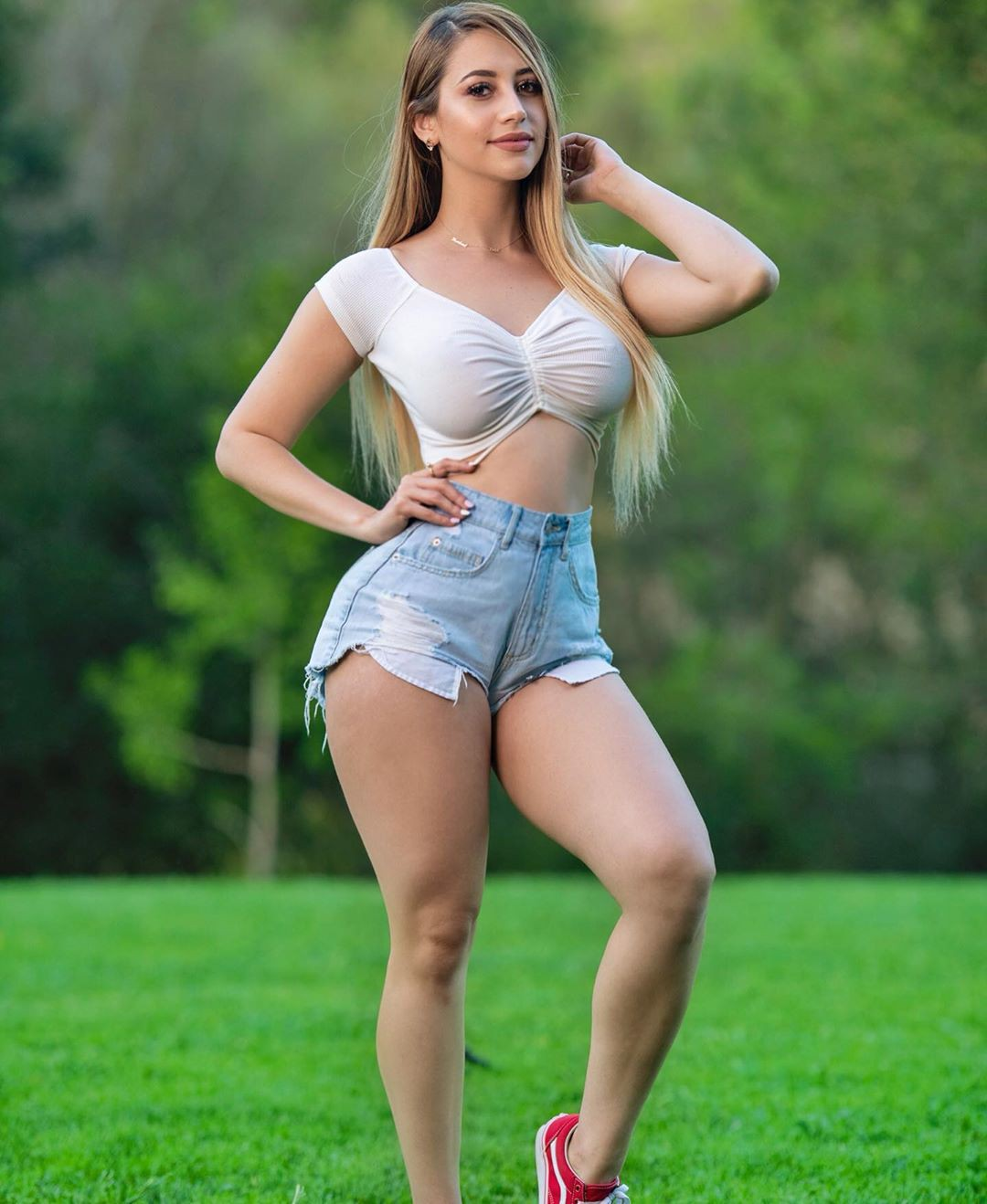Mariam Olivera jean short, shorts outfit instagram, hot girls thighs