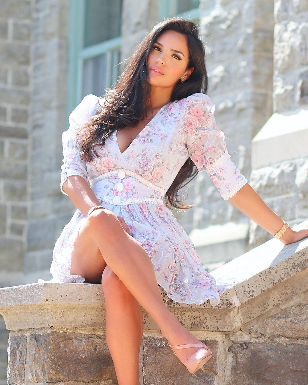 Shadi Y Cair girls photoshoot, hot girls thighs, legs pic