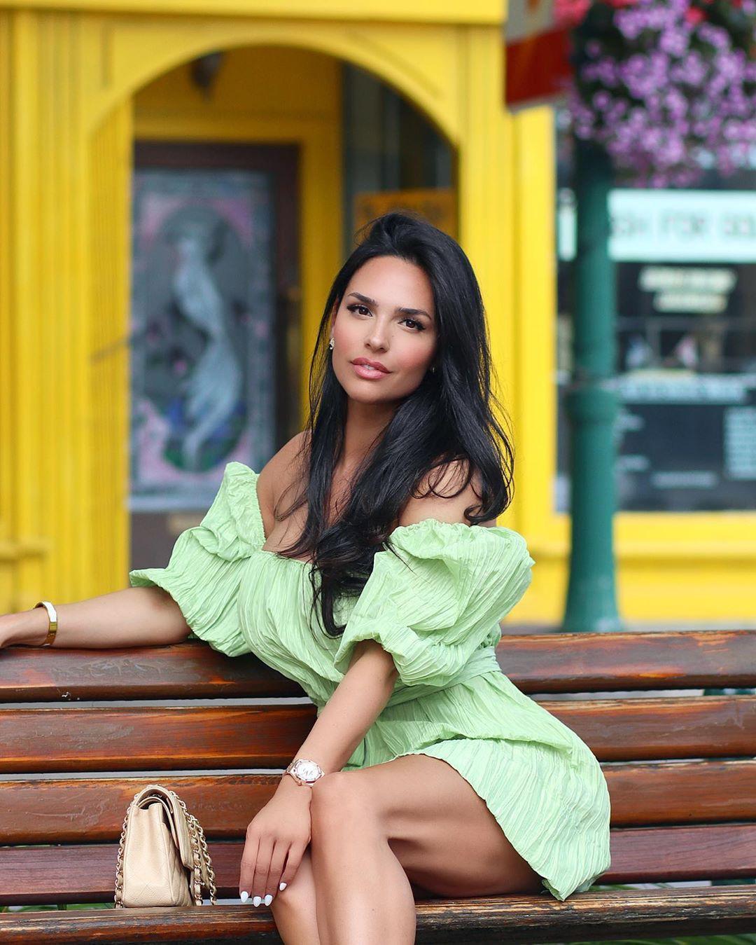 Shadi Y Cair cute girls photos, legs photo, Sexy Models