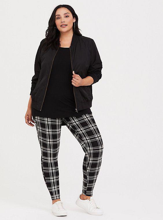 Black clothing ideas with capri pants, trousers, leggings