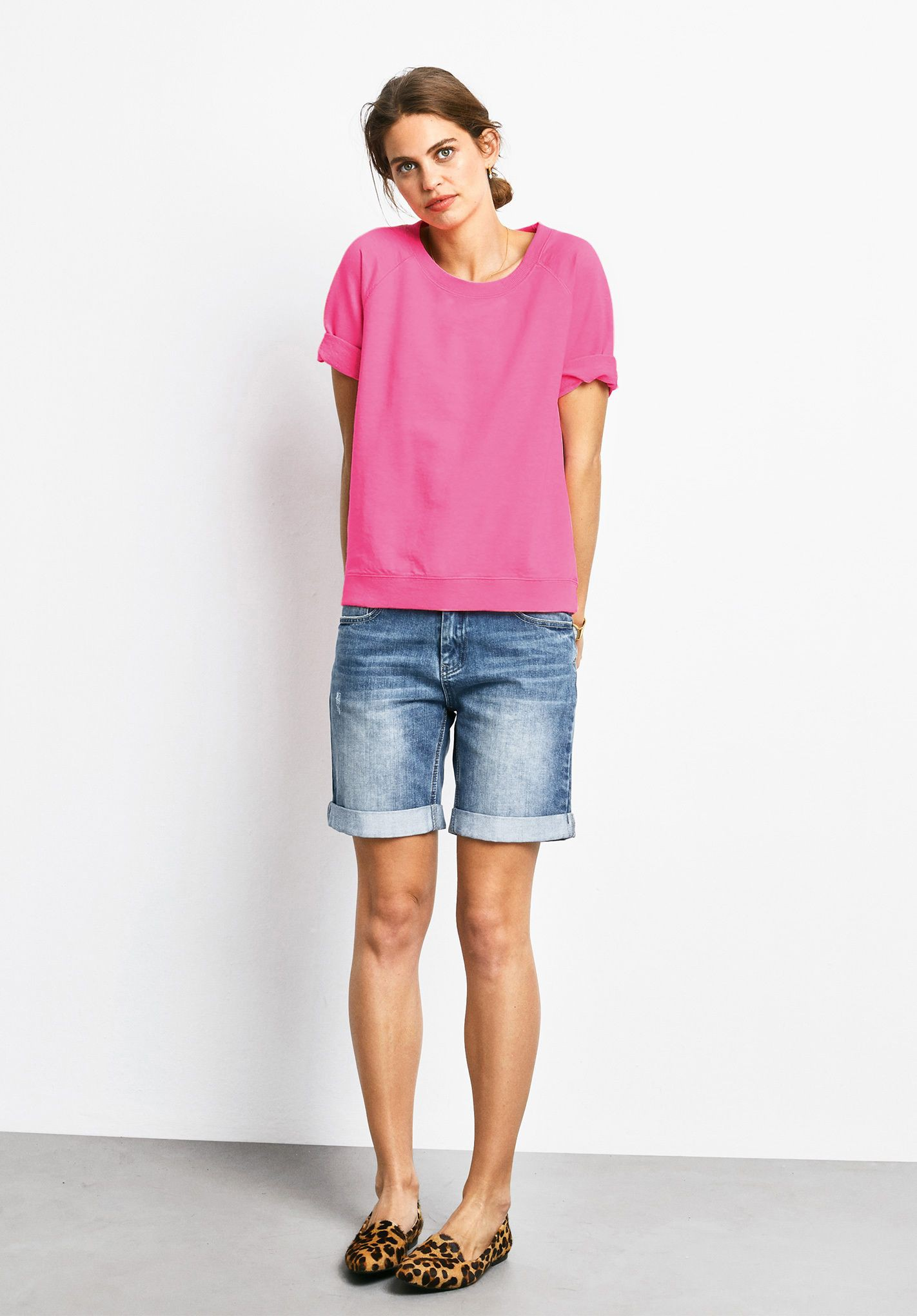 White and pink colour outfit with bermuda shorts, shorts, jeans