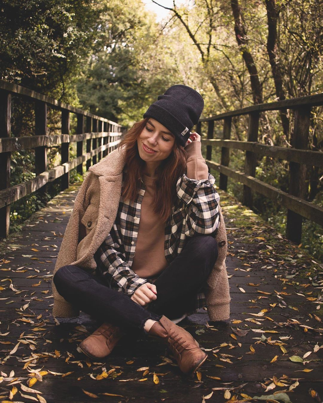 Brown classy outfit with beanie
