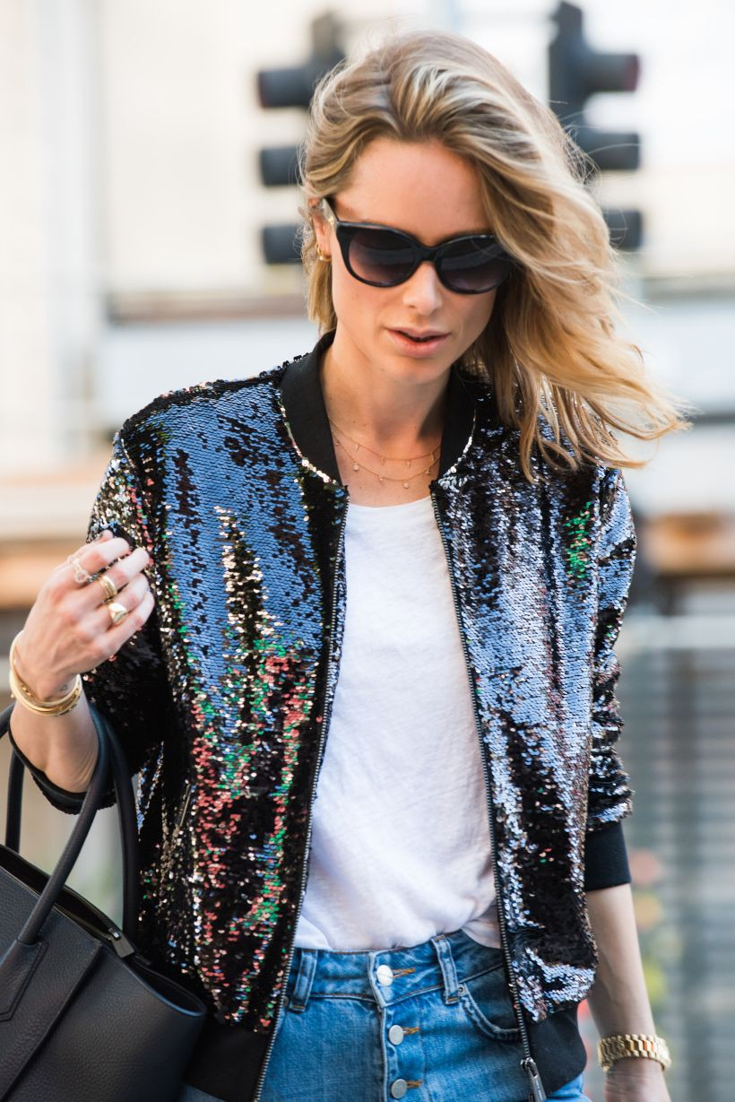 Outfit with sequin bomber jacket