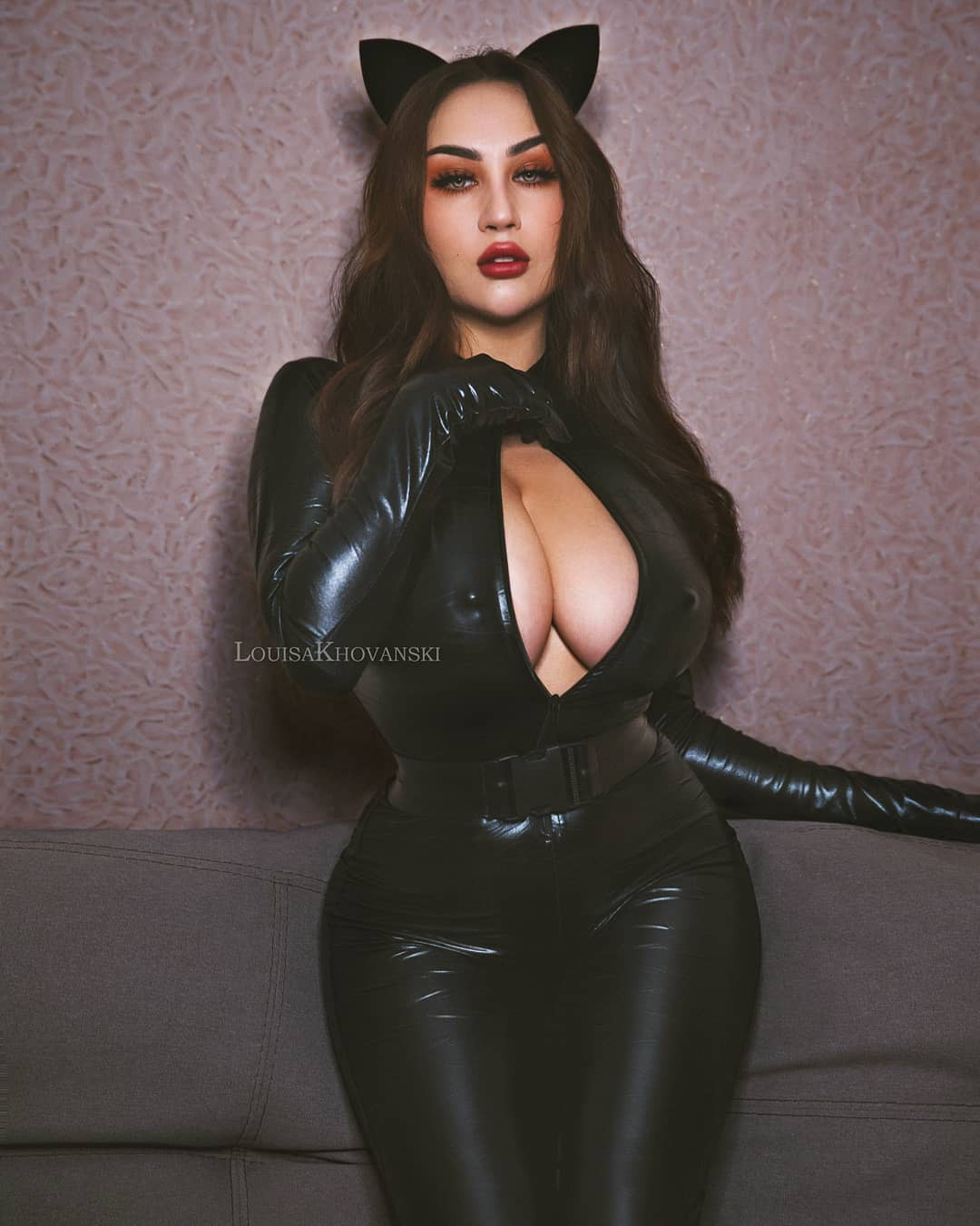 Louisa Khovanski dress latex clothing, fetish model outfit ideas