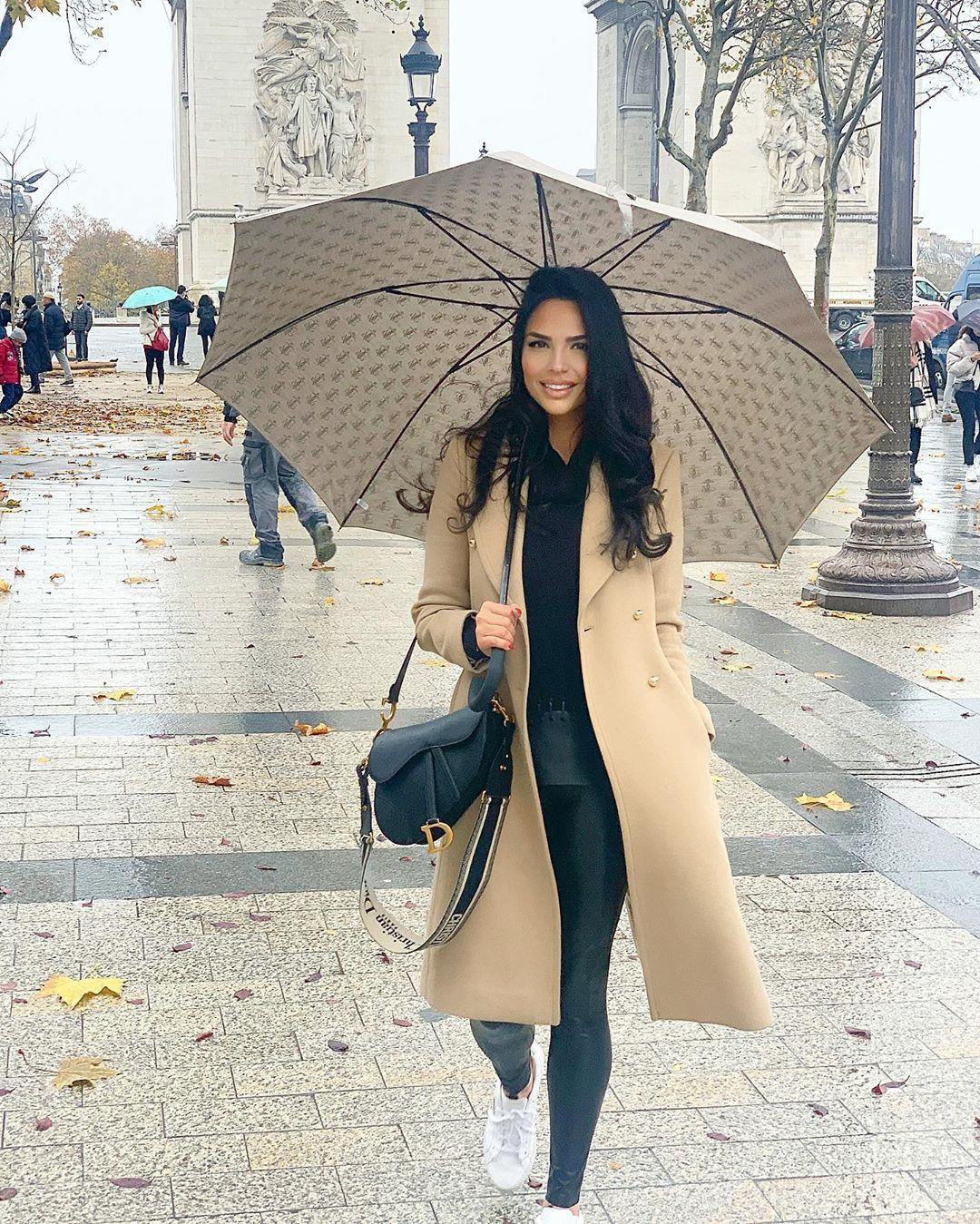 Shadi Y Cair trench coat, coat dresses ideas, photography ideas