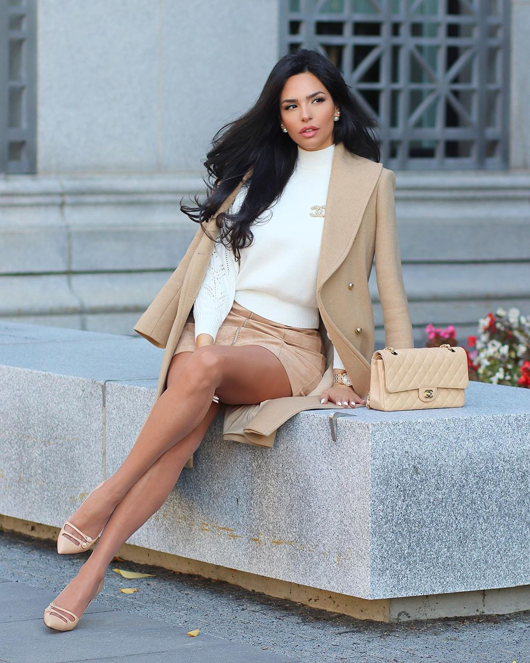 white colour combination with blazer, model photography, legs pic