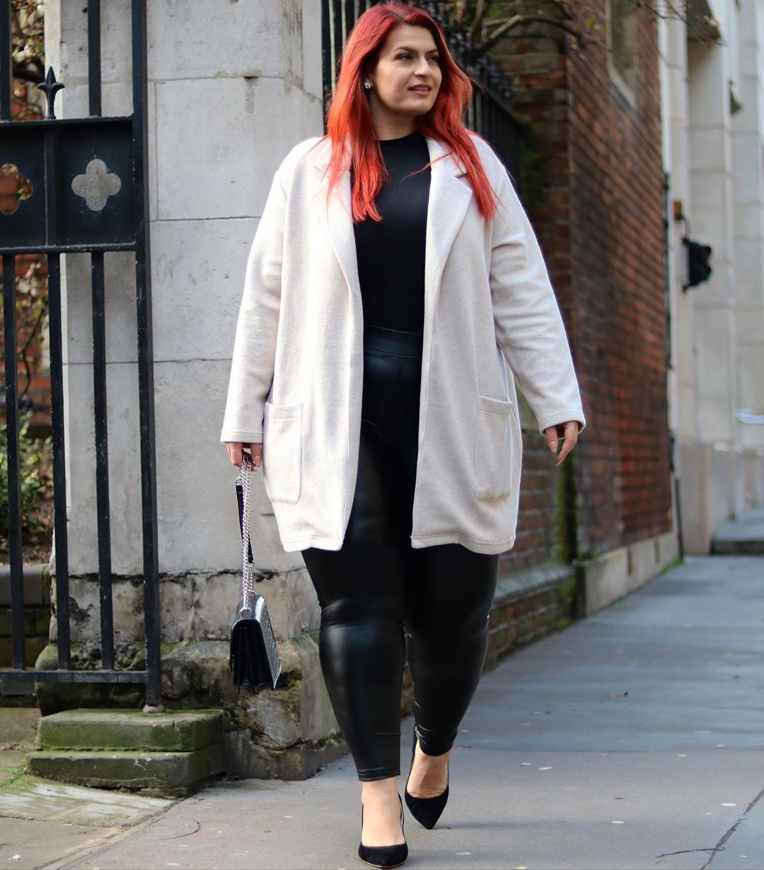 white matching outfit with overcoat, jeans, coat