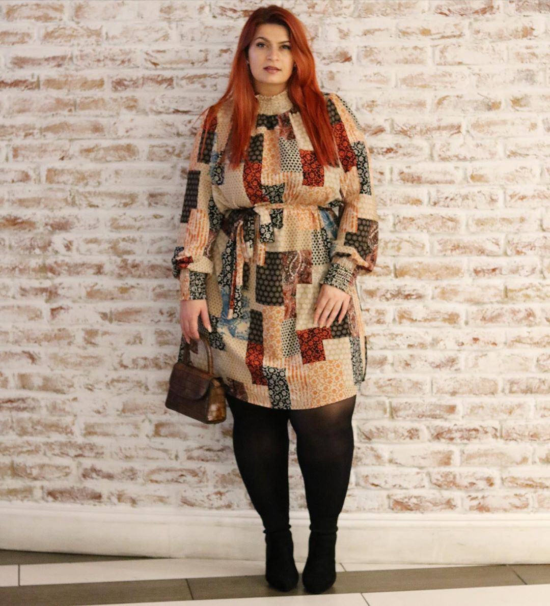 Beige and brown dress, costumes designs, street fashion
