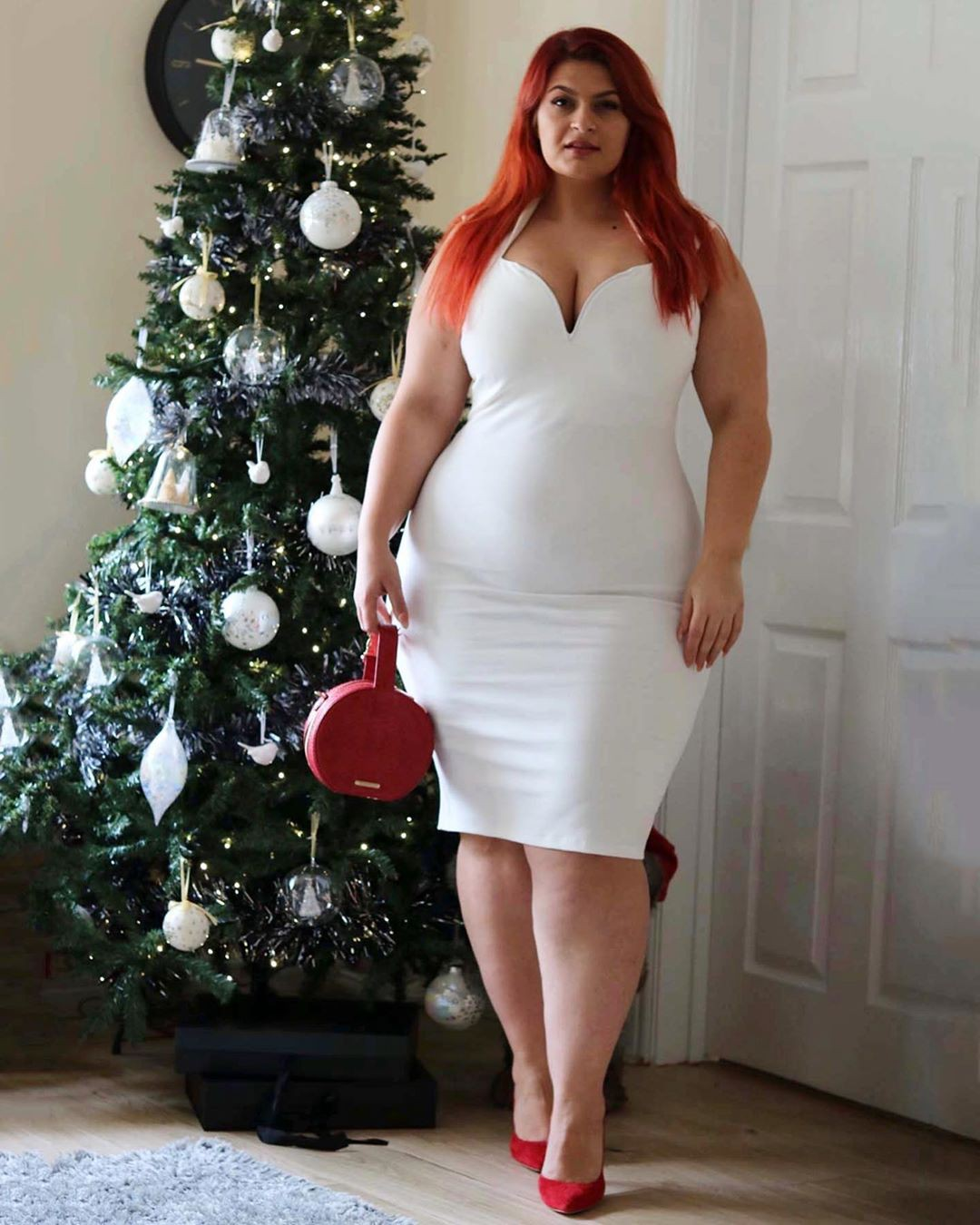 white colour outfit ideas 2020 with cocktail dress, legs picture