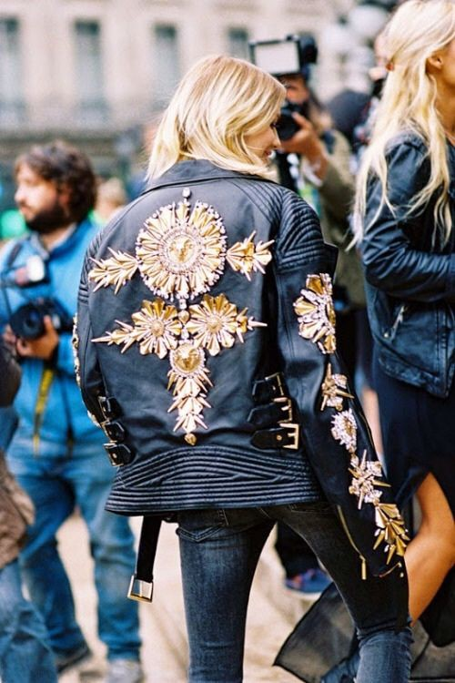 Colour outfit, you must try embellished leather jacket, leather jacket, street fashion, t shirt
