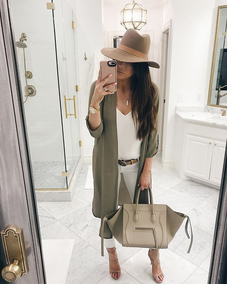 Beige style outfit with sweater, jacket, fedora