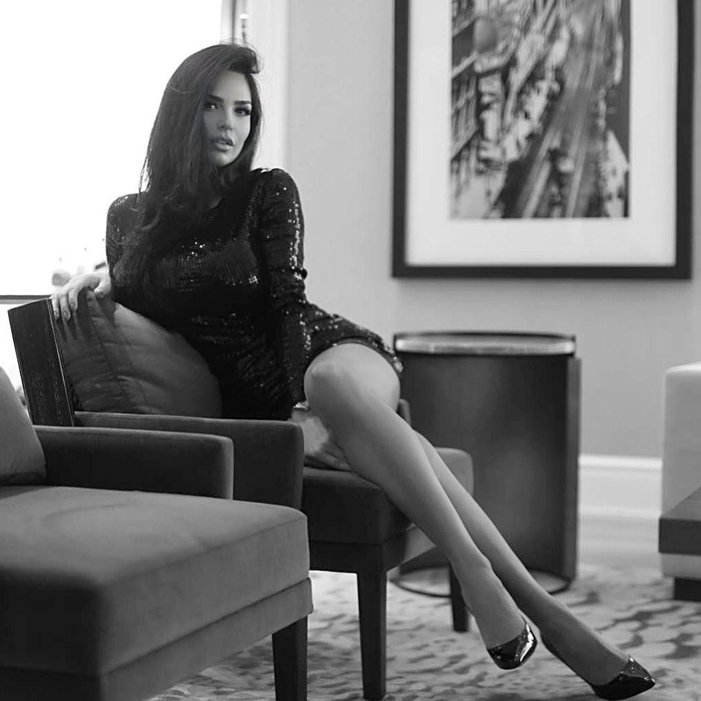 Shadi Y Cair photoshoot poses, thigh pics, legs pic