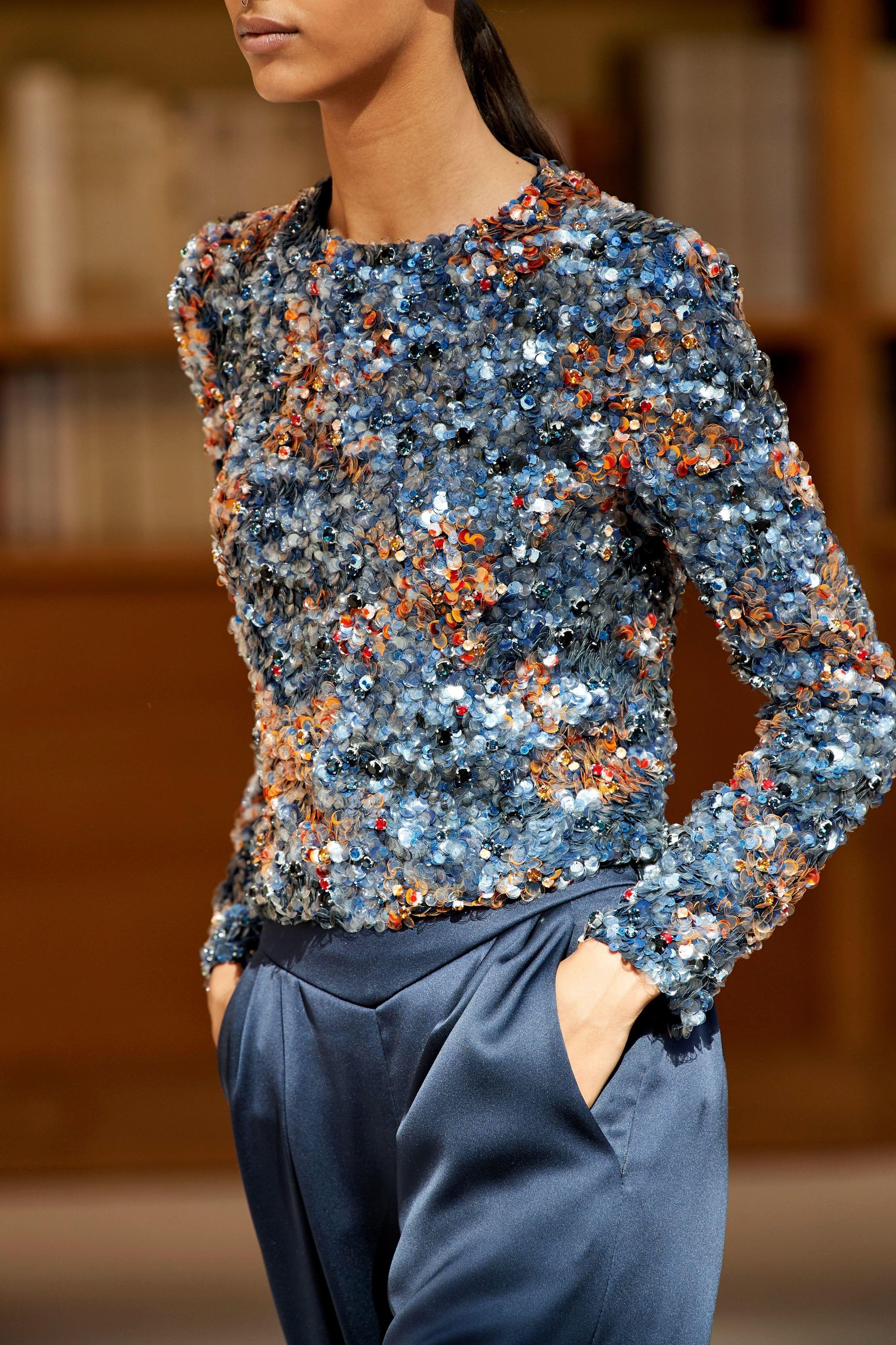 Colour combination with blouse, jeans