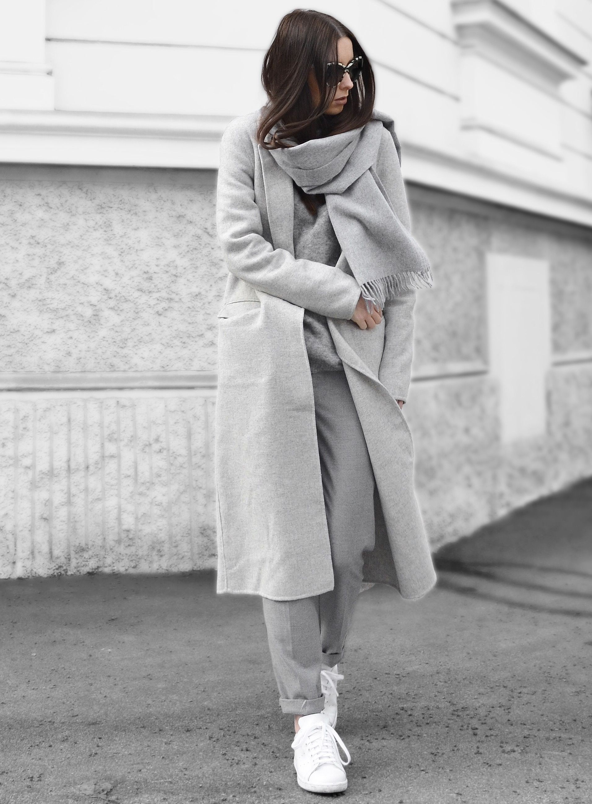 White outfit ideas with trench coat, coat