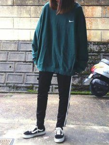 Turquoise and green outfit Pinterest with leggings, sweater, hoodie