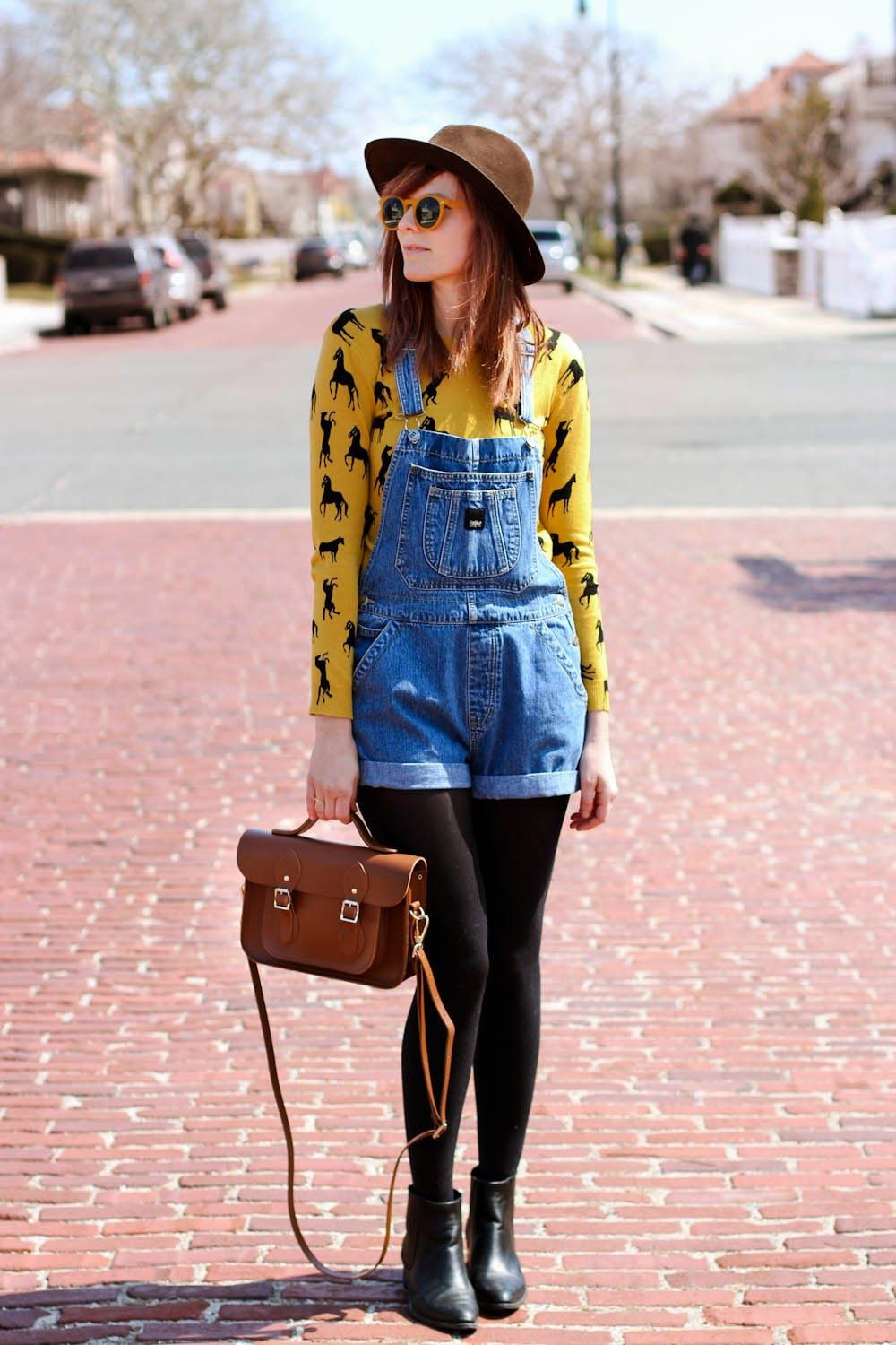 Colour outfit, you must try quirky overall outfit, street fashion, fashion blog, t shirt