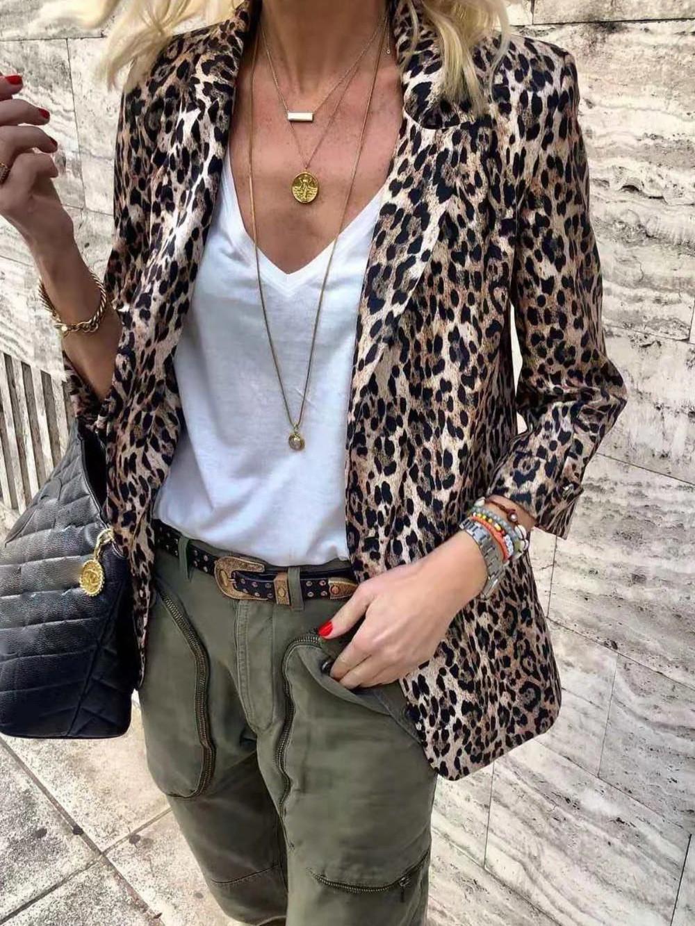 Damen blazer leo print, street fashion, animal print