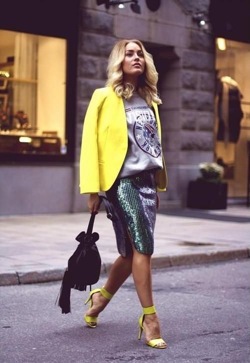 Sequin skirt with sweatshirt, street fashion, fashion model, pencil skirt, t shirt