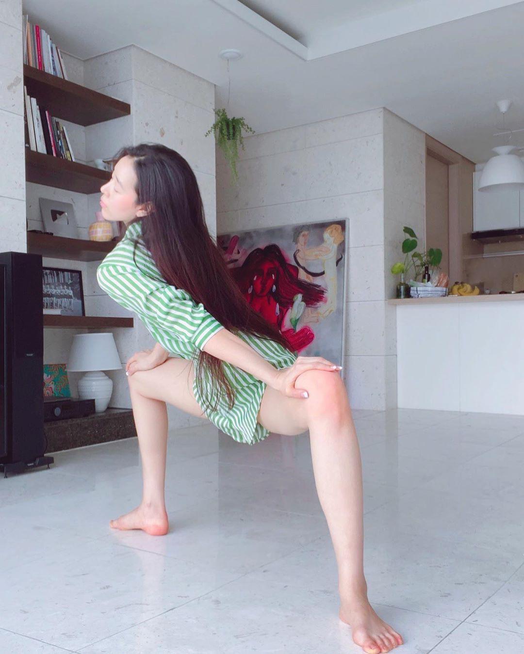 Sang A Yonini hot legs, Long Hair Ideas, long hair